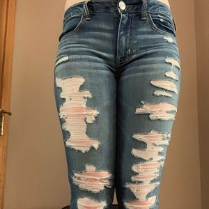 Medium washed ripped jeans